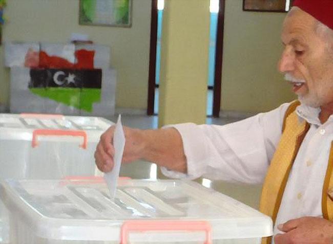 رئيس المفوضية الوطنية العليا للانتخابات يؤكد أن الذين أدلوا بأصواتهم في انتخابات المؤتمر الوطني العام تجاوز المليون و200 ألف .